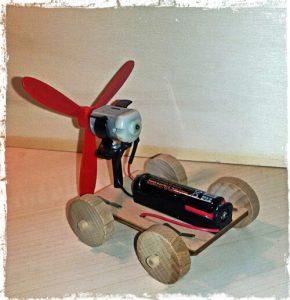 macchinina con propulsione ad aria